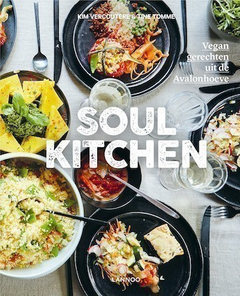 livre de de recettes vegetaliennes Avalonhoeve Soulkitchen